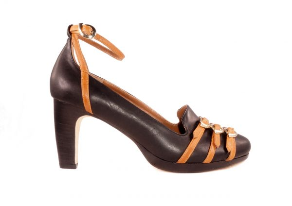 Black and camel nappa leather, Triple buckle straps, 2.5 inch heel, platform pump